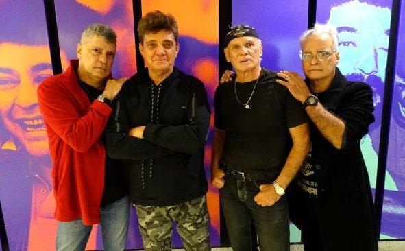 THE FEVERS neste sábado na Tijuca, apresentando seus grandes sucessos.
